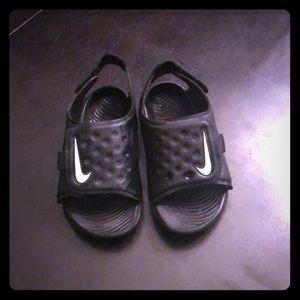 Nike kids sandals